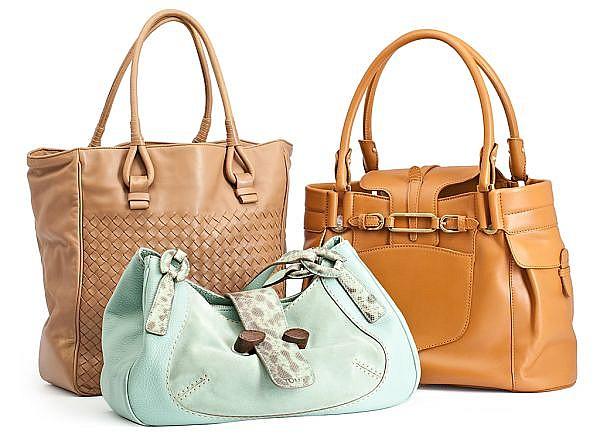 Tres bolsos en piel