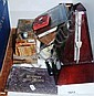 Small quantity of items incl. a wooden cased