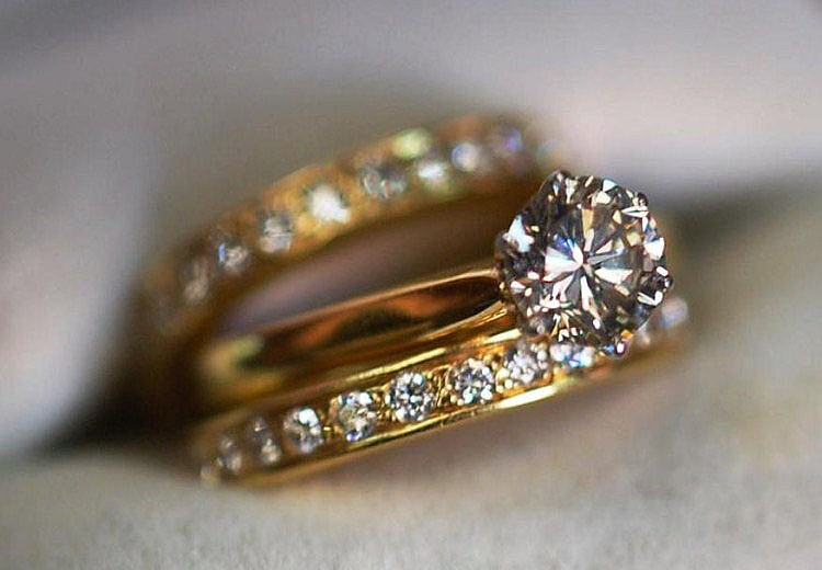 3 x 18ct Yellow gold rings suitable for engagement