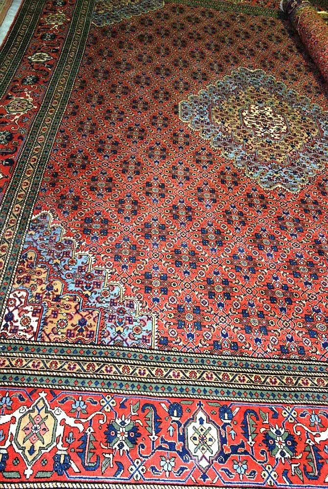 Persian hand woven 100% woollen rug 'Ardbil' 407 x