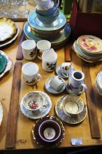 Table lot to incl. English cutlery, tea service incl. Royal Stafford, Royal Doulton, etc