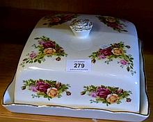 Royal Albert Old Country Roses lidded food serving platter, 24cm W