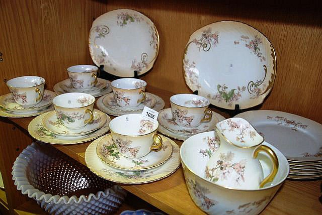 An early Royal Doulton tea service for 6 with a