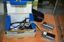 2x Sony digital cameras incl. a CyberShot with box