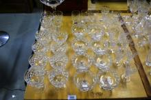 Table lot containing a lge qty of cut crystal,