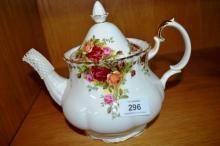 Royal Albert 'Old Country Roses' - large teapot