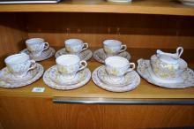 A Tuscan English china tea service for 6,