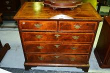 Fine, early Georgian chest of 5 drawers;