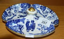 Royal Crown Derby 3 sectioned nut bowl, Mikado pattern, date stamped for 1973, 18cm D