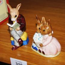 2 Royal Doulton Bunnykins figurines: Storytime DB9 and Grandpa's story DB14 (rare)