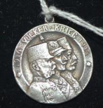 Small silver medal, 1914 Volker. Krieg, 1915, with small hanging loop, 27mm D