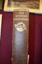 Book: 'The Modern Encyclopedia - A New Dictionary of Universal Knowledge' - a large number of illustrations & maps etc