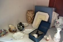 Porcelain incl. Royal Winton, Shelley, Wedgwood etc. incl. vases, trinket dishes, frames, Gossware etc