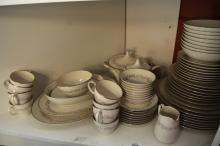 Noritake dinnerset, 'Marquise' pattern incl. plates, bowls, teapot, lidded tureen, platters, gravy boat, milk jugs, cups, saucers etc