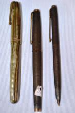 3 x vintage pens incl. a Parker 2 piece gift set incl. a ballpoint and a fountain pen in sterling silver, made in USA, and a Waterman's fountain pen, model number W-2A with 14ct gold nib