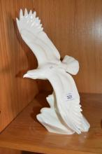 Royal Doulton figurine 'Images of Nature' 'Soaring High' HN4087, 30cm T
