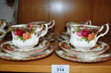 Royal Albert, 'Old Country Roses' set of 4 trios