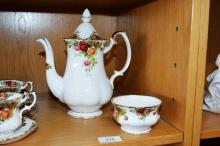 Royal Albert, 'Old Country Roses' large coffee pot