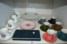 Shelf: to incl. 4 Royal Worcester coffee cups &