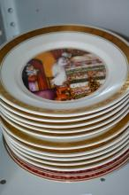 Collection of 12 display plates incl. 10 Royal