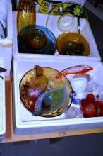 2 boxes: coloured glassware incl. depression glass