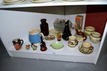 Shelf lot: Torquay motto Ware pieces incl.