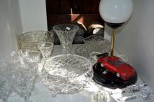 Shelf lot: crystal wine glasses, fruit bowl, vases