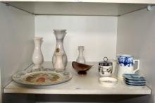 Shelf: 4 marble vases, Carlton Ware Rouge Royale