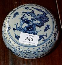 Chinese blue & white pottery lidded trinket jar,