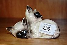 Beswick figural group of Siamese cats, model no.