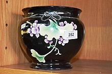 Vintage Royal Nippon jardiniere, flower design on