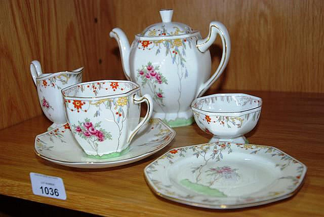 Vintage Royal Doulton tea for one set, comprising