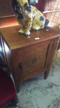 Qld maple 1 door bedside pot cupboard