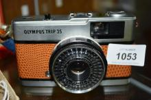 Olympus Trip 35 film camera, excellent condition with snakeskin style leather case, serial number 4608365