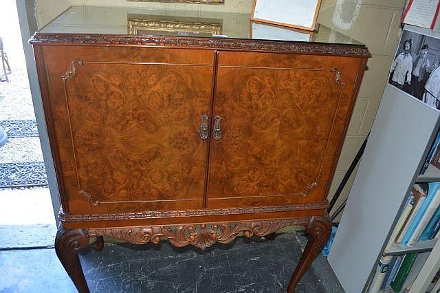Queen Anne style burl walnut 2-door drinks cabinet