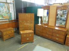 Hickory Furn co. 7 Pc Bedroom Set