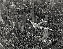 Bourke-White, Margaret: DC Flying over Manhattan, NYC