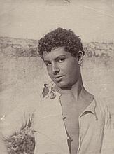 Gloeden, Wilhelm von: Portrait of a Sicilian youth