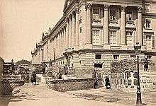 Paris 1871: Street barricades during the Communard Revolt, Paris