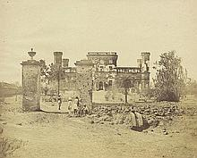 Beato, Felice: Mess House of the 32nd Regiment, Lucknow; The Quarters of the 53rd Regiment in the Bara Imambara at Lucknow