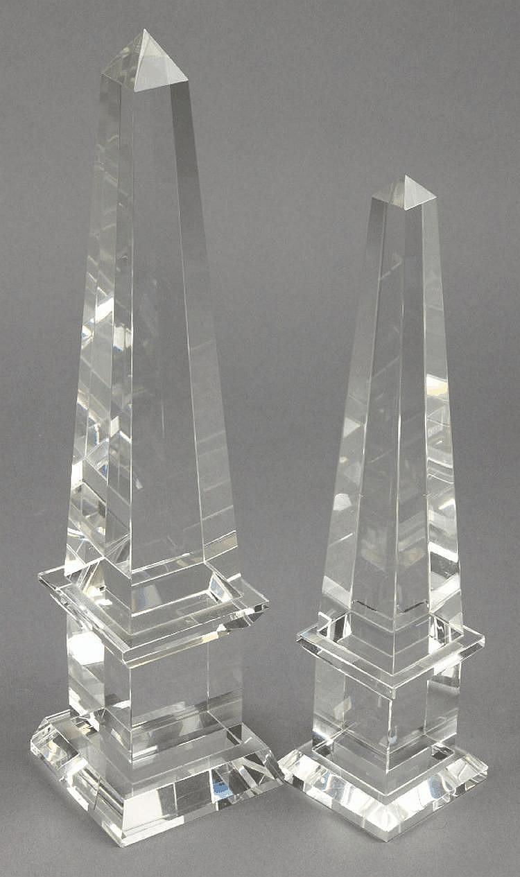 Two contemporary glass obelisks:, 31cm and 26cm