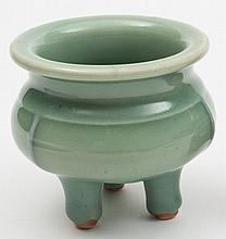 A small Japanese tripod koro: covered in a celadon