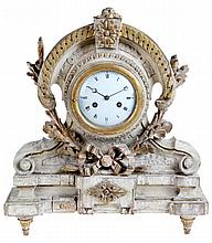 Mantelclock. White and golden-yellow patinated wood. Decor of rocailles. Re
