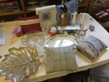 Another mixed lot, ceramics, cushions, a sodastream and others.