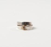 HERMES Paris made in France  Bague ceinture double tour en argent et vermeil. T.54. Pds : 6,7 grs environ.