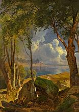 Blick zwischen Bäumen auf südliche Küste bei Gewitterstimmung