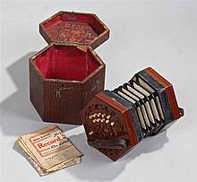 Early 20th Century twenty key concertina, serial n