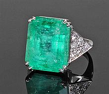 Impressive and large emerald set ring, the emerald