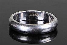 Platinum wedding band, ring size K, 7 grams - Stoc