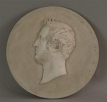Gipsrelief - Männerkopf im Seitenportrait, signiert, D. ca. 20, 5cm  Gi